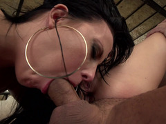 Anal sex and cum kisses in this all-Euro threesome