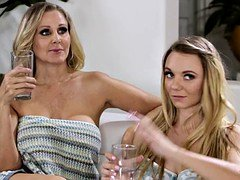 Julia Ann, Molly Mae and Gia Paige at Mommy's Girl