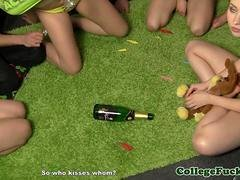College sexgamers spinning the bottle