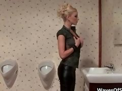 Fit blonde kitten giving head of a sizeable penis part2
