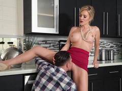 Thanksgiving threesome with his girlfriend and a hot milf
