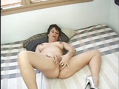 Classic mature candy cooze playing gargling and penetrating
