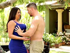 Chubby busty milf Candi Coxx gets fucked and cum on her boobs outdoor