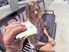 Girl takes some money to fuck a horny guy