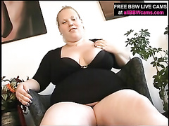 Nice plumper platinum-blonde woman slit playing