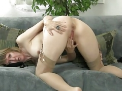 old bitch stripping down and moreover jack off