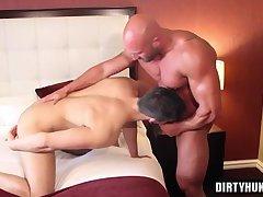 Muscle bodybuilder dildo and cumshot