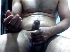 HAIRY STR8 GUY BIG UNCUT DICK