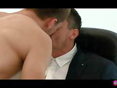 Tayte Hanson quick blow Jay Roberts cocks