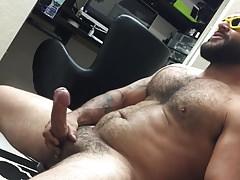 Bearded Straight Stud Gets Serviced ( Blowjob & Cum )
