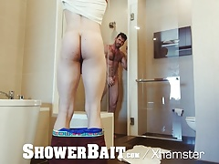 ShowerBait Muscle str8 Tony Shore shower fucked by friend