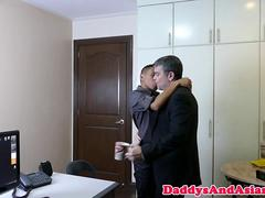 Office pinoy twink seduce boss daddy