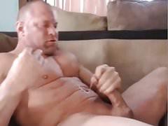 Muscle Brad Quick Cam Jerk Off & Cum