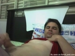 Hunk Jerking Off in Bed in an Amateur Video