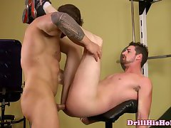 Andrew Stark fucks bottom Zeb Atlas