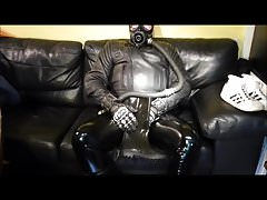 Skintight leather, rubber and smelly sneax