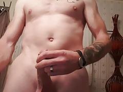 Petite ejaculation