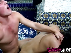 Naughty skinny twinks enjoying a good threesome sex session