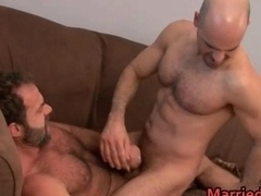 Married mf guy gets anus fingered