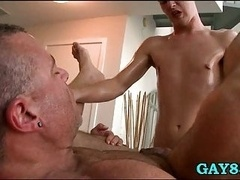 Masseur challanged by huge dick