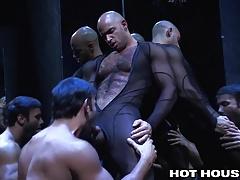 HotHouse Voyeur Peeps on Sean Zevran As he Tops Hot Latino