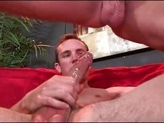Str8 guy kisses bodybuilder gets fucked