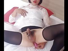 trap cums handsfree on dildo