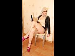 Crosdresser in heels and pantyhose