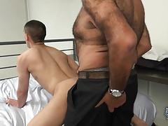 Daddy Bear Drills a Twink