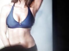 Nikki Bella cumtribute