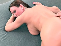 Guy fucking with his GFs busty stepmom