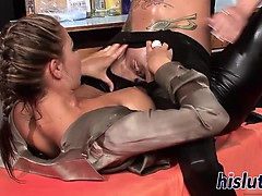 Two classy lezzies pleasure each others pussies