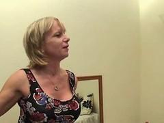 British Mom Cool Wake Up Call