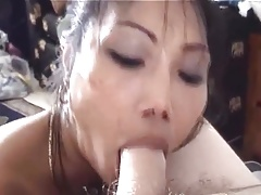Female licks male feet (02184)
