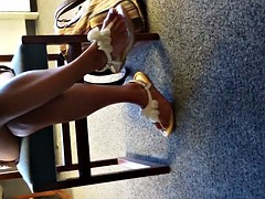 candid foot show