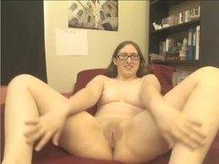 Glasses babe wanks on webcam