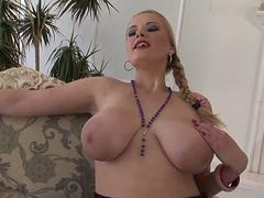 Slutty Helena in sexy lingerie gets cunninlingus and her pussy fingered