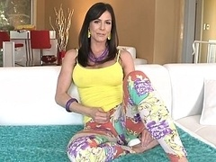 Large ass white MILF Kendra Lust