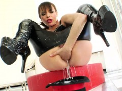 Leather babe squirts milk