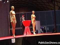Hot chicks Pose Undressed At Strip Show