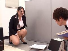 Asian slut has no panties and her intentions are obvious