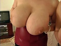 Big boobs Junge Debuetantinnen
