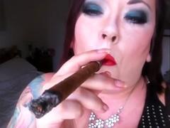 Cigar Smoking BBW - Fetish Smoke Rings