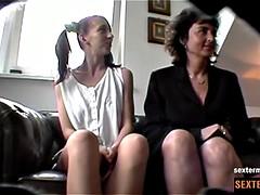 Duennes Nylonteen Heimlich gefilmt