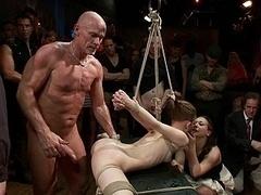 Bondage domination sadisme masochisme, Brunette brune, Souple, Groupe, Humiliation, Innocente, Punition, Attachée