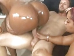 LUCKY WHITE BOY Gets down and dirty 2 HUGE BLACK ASSES