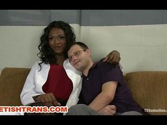 Ts Black Dom with a HUGE Knob Bangs a Lad on Gyno Table in a Hospital