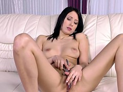 Brunette chick teasing her cunt with sex toys