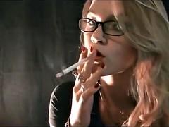緊縛, 喫煙