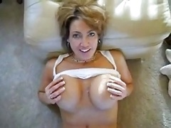 mom i`d like to fuck loves to take a load